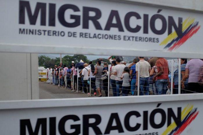 Colombianos tienen escasos días para tramitar carnet fronterizo