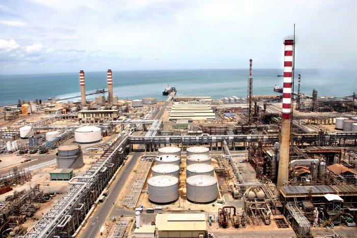 Bajo desempeño de refinería Cardón confirma que producir suficiente gasolina es imposible para PDVSA