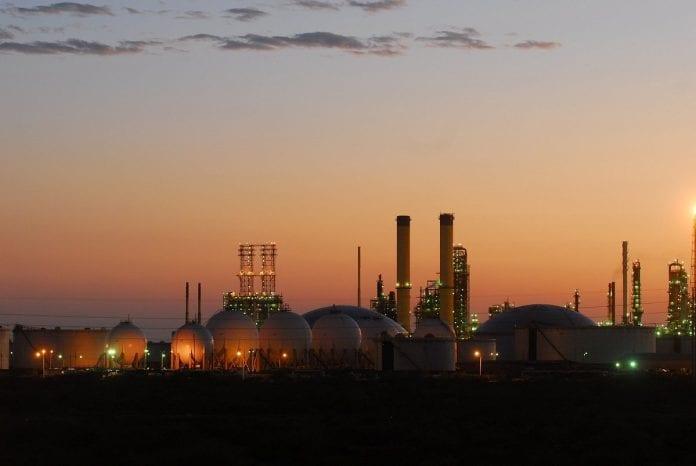 pdvsa-intenta-el-reinicio-de-la-produccion-de-gasolina-en-amuay