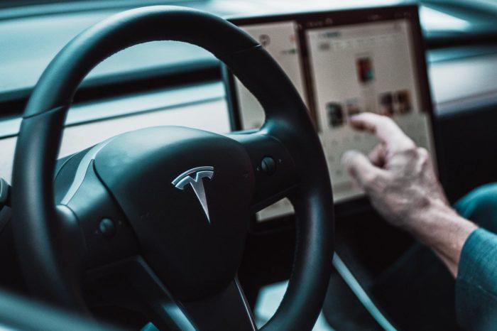 ¿Por qué Elon Musk no vende sus Tesla en Bitcoin?