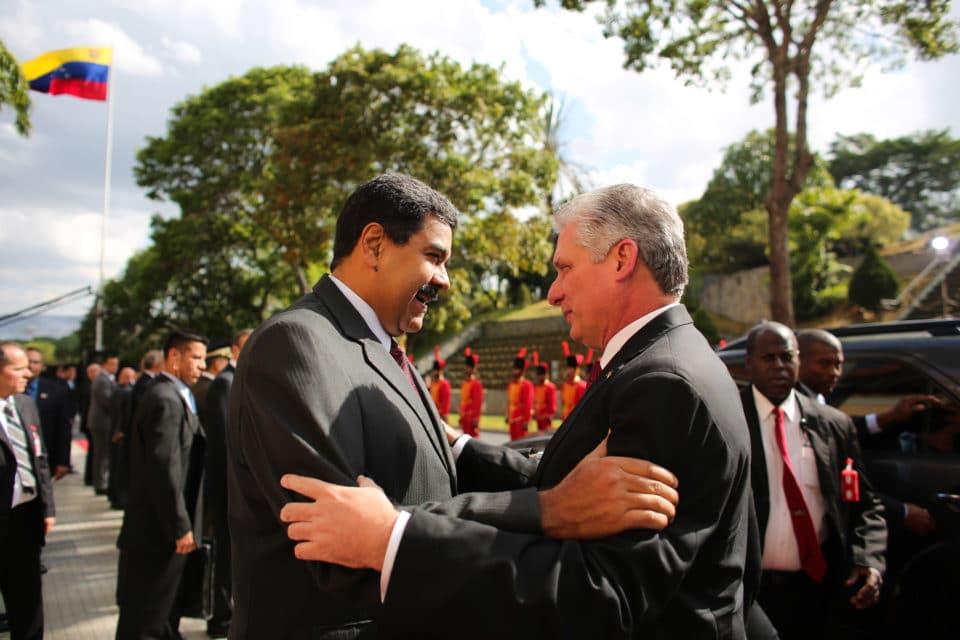 Más dinero para el régimen cubano menos escuelas y hospitales en Venezuela