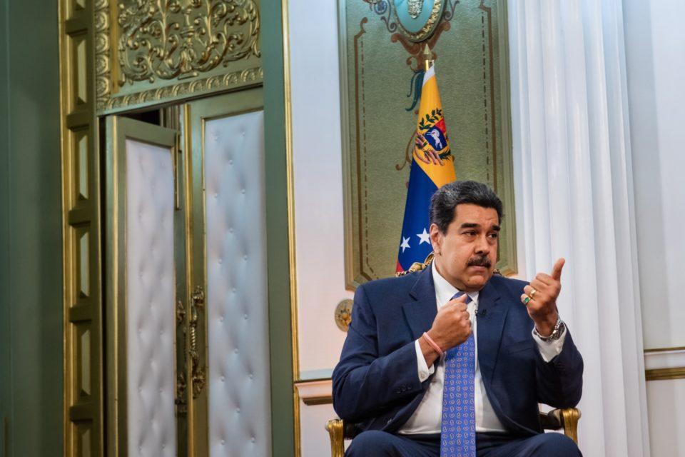 Bloomberg Maduro revela cómo le pagaría a los tenedores de bonos