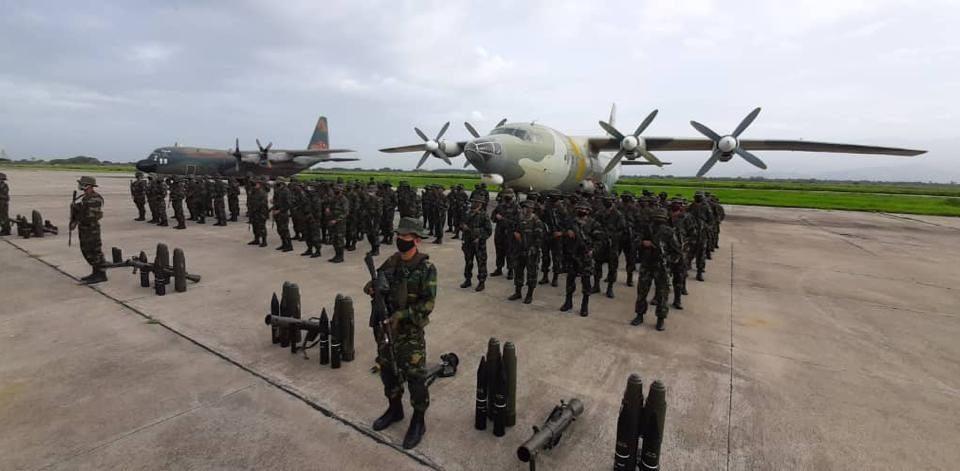 militares venezolanos vuelven a apure