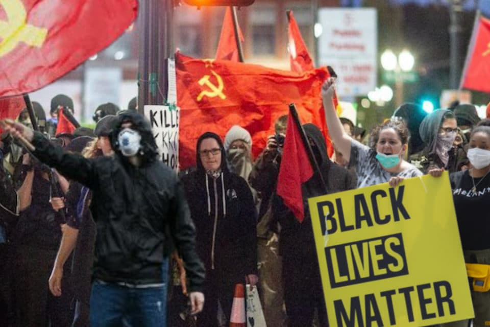 black-lives-matter-culpa-a-eeuu-de-las-protestas-en-cuba-y-muestra-su-apoyo-al-comunismo