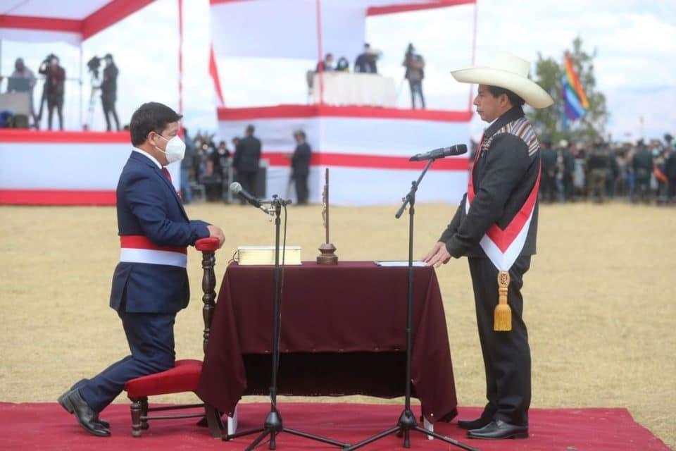 Castillo confirma a un izquierdista radical como nuevo Primer Ministro de Perú