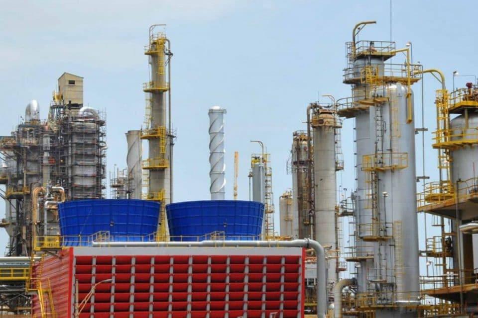 pdvsa-volvio-a-paralizar-la-produccion-de-gasolina-en-una-de-sus-mas-grandes-refinerias